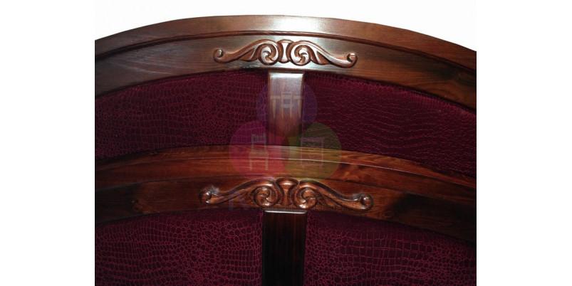 Кровать «Леонсия» с резьбой и тканью